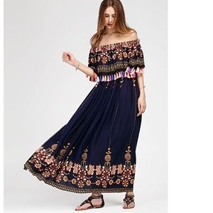 Dresses & Skirts - Off Shoulder Layered Neckline Boho Maxi Dress